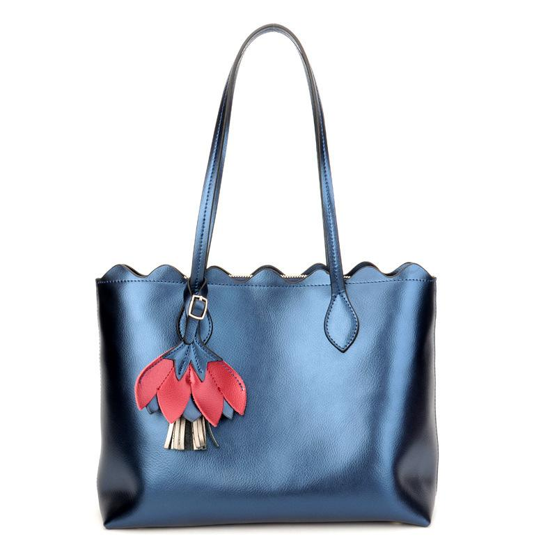 ... Messenger Bag Nylon Big Package Monkey Pendant  best cheap d2144 15af2  Wholesale Genuine Leather Luxury Handbags Women Bags Designer Tote Fashion  Really ... d7efda60b0