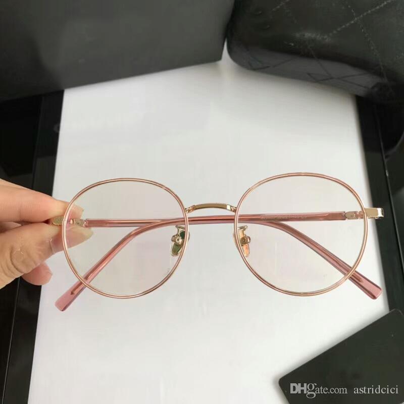 Compre Óculos De Luxo Para As Mulheres Plain Lens Designer De Marca Armações  De Óculos Simples Óculos De Espetáculo De Vidro Óptico Marca Olho Óculos De  ... 6276ff0180