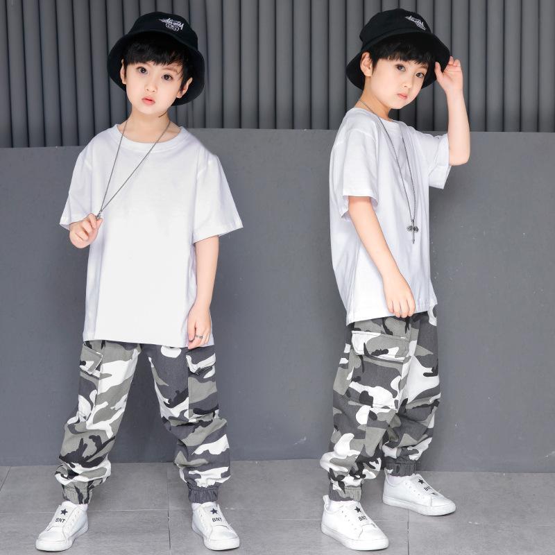Compre Niños Sueltos Salón De Baile Jazz Hip Hop Traje De La Competencia De Baile  Para Niña Niño Camiseta Blanca Pantalones De Camuflaje Ropa De Baile Ropa  ... 185a3e9a1a2