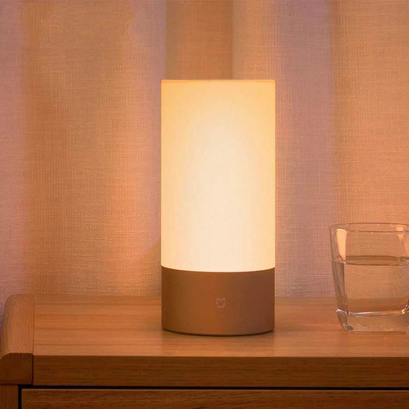Versione inglese Xiaomi Mijia Yeelight Lampada da comodino interna a luce  notturna intelligente per interni Smart control