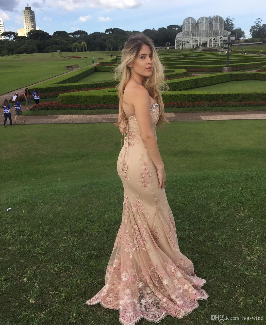 Beautiful Sweetheart Crystals Beaded Neckline Long Prom Dresses Lace Flowers Appliqued Mermaid Prom Evening Gowns Corset Back