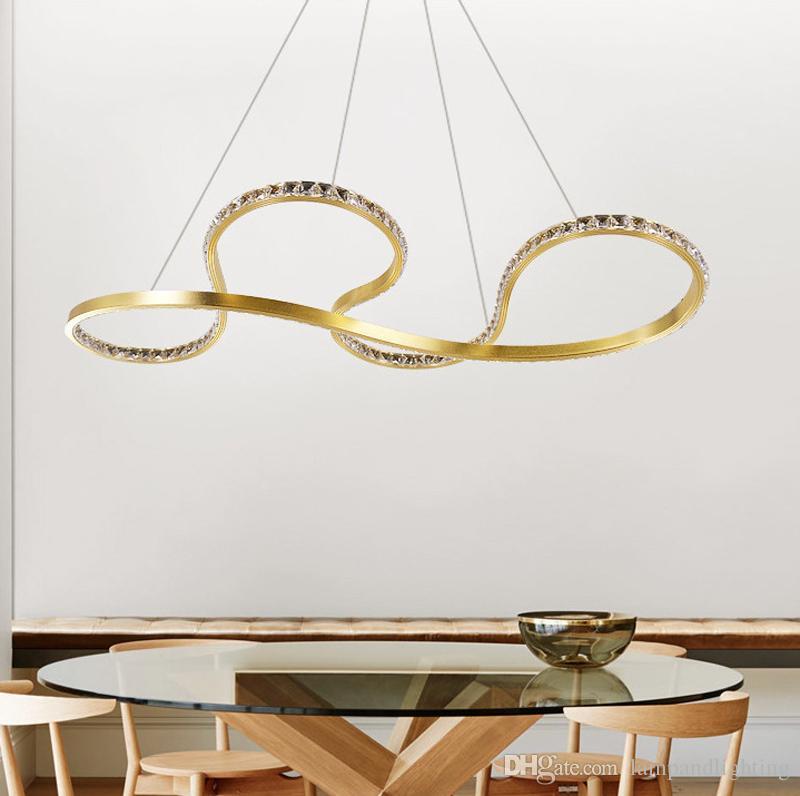 Luces colgantes LED de aluminio dorado con estilo moderno de alta calidad K9 araña de cristal Lámpara colgante para comedor dormitorio de la sala