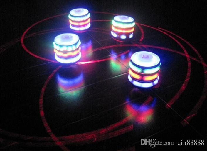 Новые Вспышки Гироскоп Гироскоп Красочные Огни Peg-Top Manual LED Beyblade Музыка Лучшие Продажи детские Бесплатные Волчок Игрушки