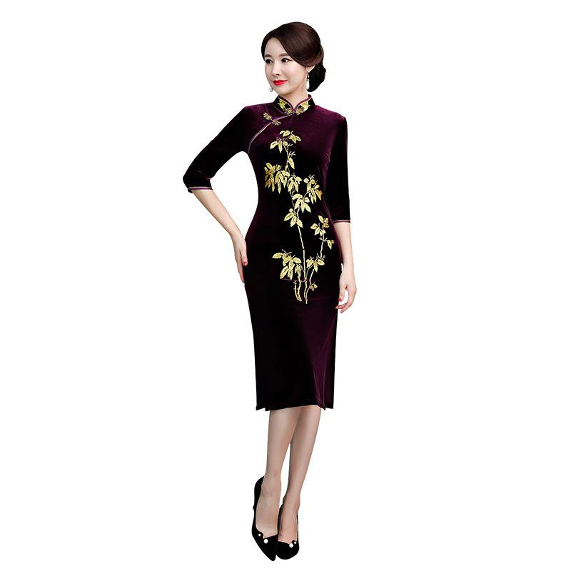 277b8cb0e61 2019 Purple Lady Slim Embroidery Qipao Velvet Flower Sexy Mandarin Collar Cheongsam  Vintage Plus Size Chinese Women Evening Dress 3XL From Boniee