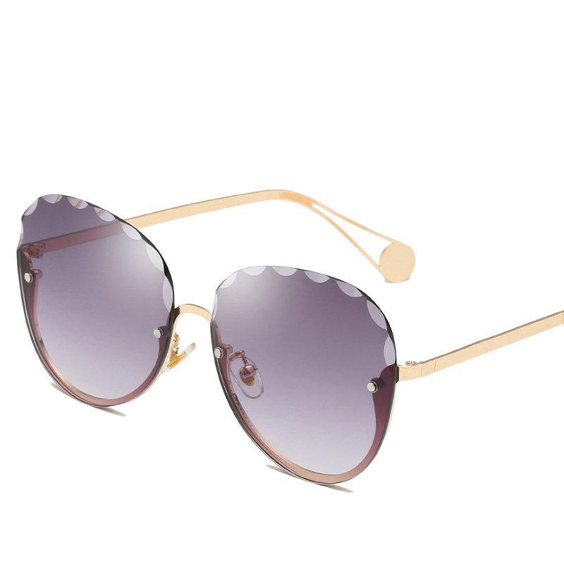 Compre Praça Diamante Aparamento Retro Metade Quadro Óculos De Sol Feminino  Olhos De Gato Grande Preto Branco Vermelho Transparente Óculos De Sol  Feminino ... a235dba2f4