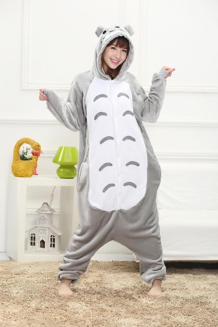 4aa9088c0 Compre Pijamas Totoro Mujeres Para Adultos Pijamas Franela Animal Totoro  Ropa De Dormir Femmei   Mujer Pijamas Enteros De Animales A  38.27 Del ...