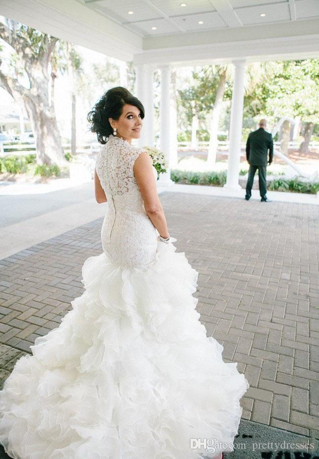 2018 robes de mariée sirène vintage en dentelle minces cape sans manches chérie bouton retour robes de mariée en organza cascade de volants de mariage