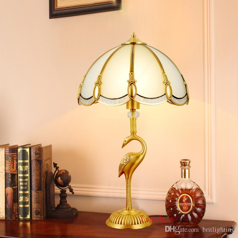 Classical European style luxury Crystal table lamp Living room Copper lights Bedroom bedside Desk lamp bird art copper Table lamp