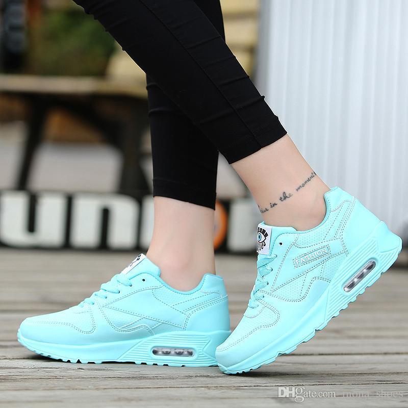 3a17a164c Compre Mulheres Moda Sneakers Mulheres Sapatos Tenis Feminino Sapatos  Casuais Mulheres Krasovki Sapatos Flats Rosa Lace Up Senhoras Sapato 2018  De ...