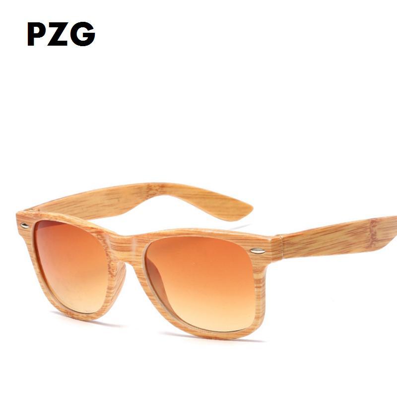 Compre PZG Moda Natural Imitación Madera Grano Gafas De Sol Retro Bamboo  Hombres Y Mujeres De Madera Diseñador De La Marca Gafas Gafas De Sol  Deportivas A ... 483e6de668f2