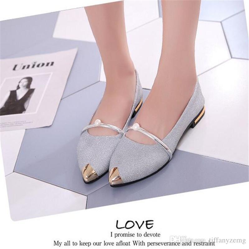 2018 nuevos zapatos individuales puntiagudos hembra boca baja conjuntos salvajes perlas cómodos zapatos perezosos zapatos de trabajo profesional