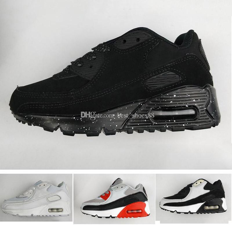 f5a2f61ab Compre Nike Air Max 90 .Baby Crianças Sapatilhas Sapatos Clássicos 90 Menino  Menina Crianças Sapatos De Corrida Preto Branco Sports Trainer Air Cushion  ...