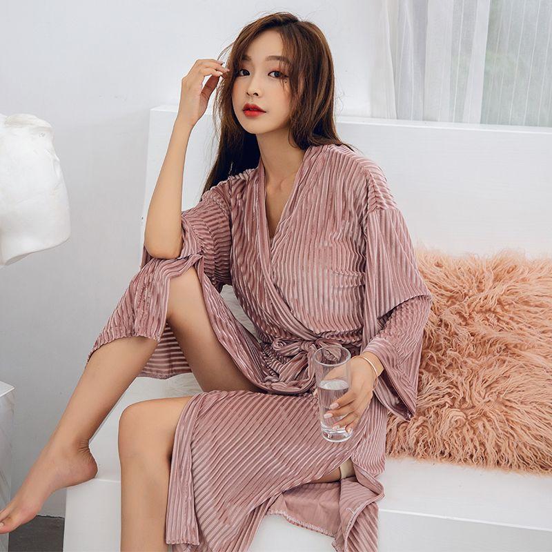 Winter Bathrobe Women Pajamas Bath Flannel Warm Robe Sleepwear Womens Robes  Lovely Nightgowns High Quality Sexy Gold Velvet Robe UK 2019 From Junxcj 8728b44515