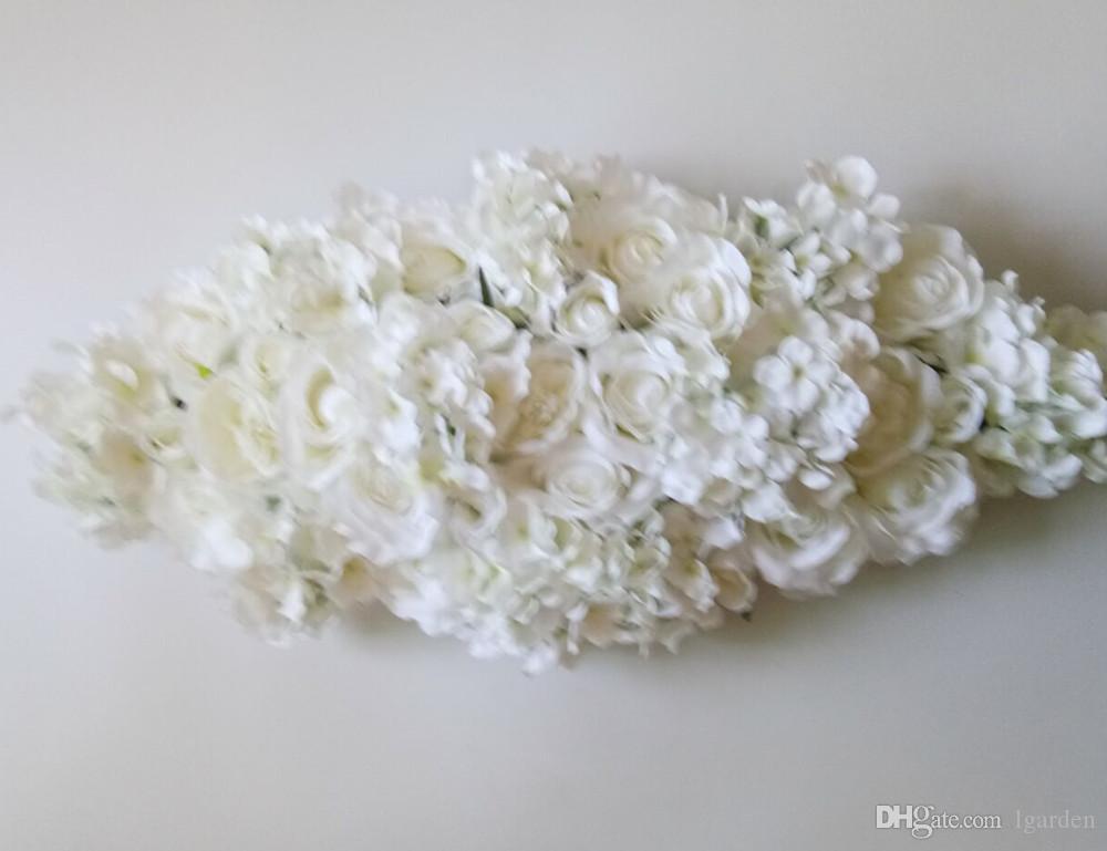 La nouvelle table des roses de soie arc de fleurs de coeur et la décoration de table de mariage hortensia,