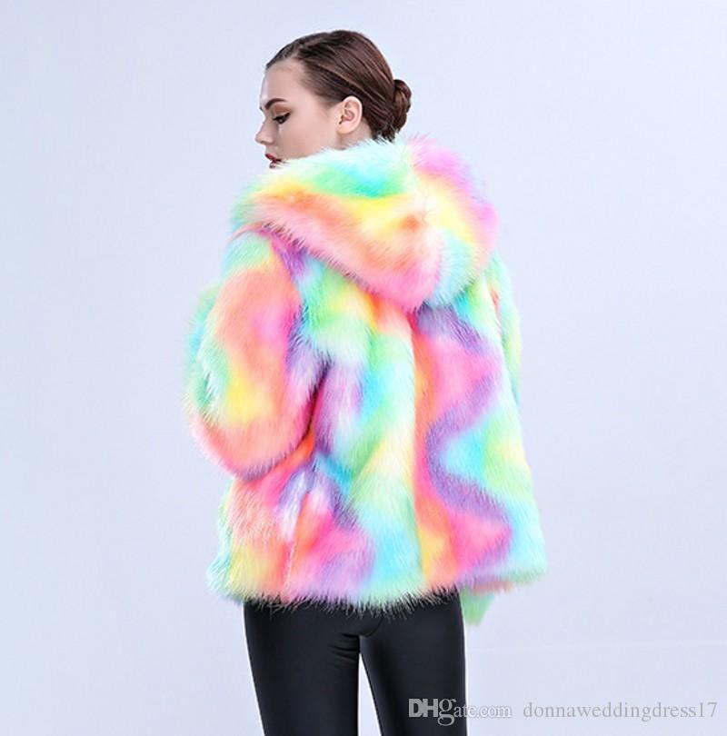 2018 новый женский элегантный шубы красочные искусственного меха пальто многоцветный с длинным рукавом воротника с капюшоном повседневная Женщина зима шубы MM9023