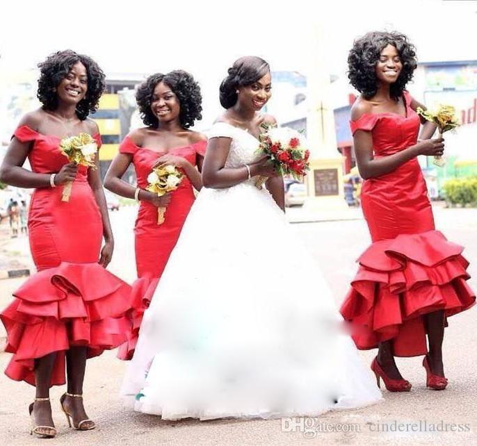 Vestidos de dama de honor de sirena roja africana 2018 Off hombro más tamaño de la longitud de té Vestidos de dama de honor Vestidos en cascada Ruff con gradas