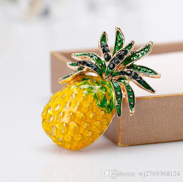 Creative Fruit Ananas Brooch Corsage Crystal Enamel Brooches Collarpins Women Girl Shirt Dress Clothing Accessories Wedding Jewelry
