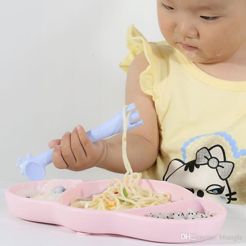Soft Silicone Spoons Baby Feeding Training Spoons Cute Giraffe Design FDA Grade Flexible Silicone Fork Spoons Teethers Multi-functional