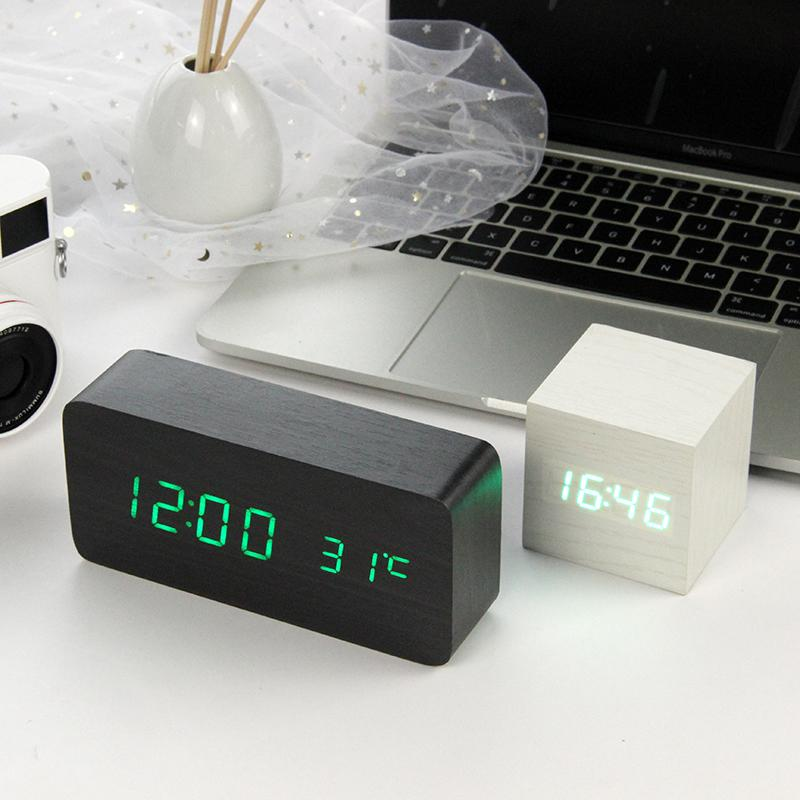a3fb45cdb9c Compre JULY S SONG LED De Madeira Despertador De Madeira Despertador  Desktop Digital De Controle De Voz Digital USB   AAA Relógios De Mesa  Decoração De ...