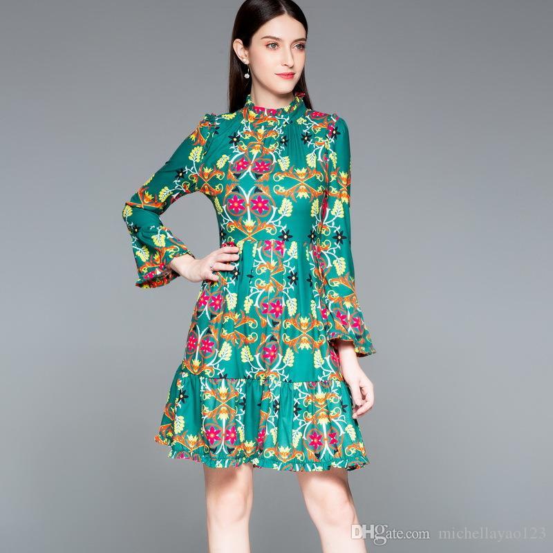 a3778ee367f5a Satın Al Milan Pist Elbise 2018 Sonbahar Yeşil Çiçekler Baskı Trompet Kollu  Kadın Elbise Bohemian Elbiseler DH082210, $107.04 | DHgate.Com'da