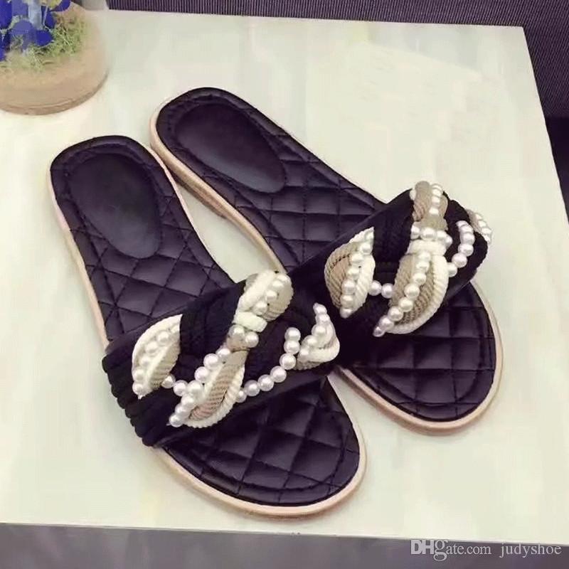 Klassische Sommer Hausschuhe Frauen rot schwarz perlenbesetzte flache Heels Mules Crossover Flip-Flops 2018 Strand Schuhe chaussure femme