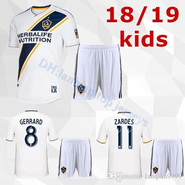 2018 LA Galaxy Kit De Niños En Casa Camiseta De Fútbol 18 19 Los Ángeles  Camisa Ibrahimovic ALESSNDRINI J.DOS SANTOS Kit Infantil Camiseta De Fútbol  ... b1cc2394b7042