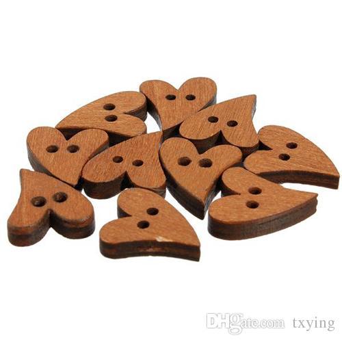 Yenilik Kahverengi Ahşap Ahşap Dikiş Kalp Şekli Düğme Düğmeler Craft Scrapbooking Konfeksiyon Aksesuarları için 20mm 100 ADET