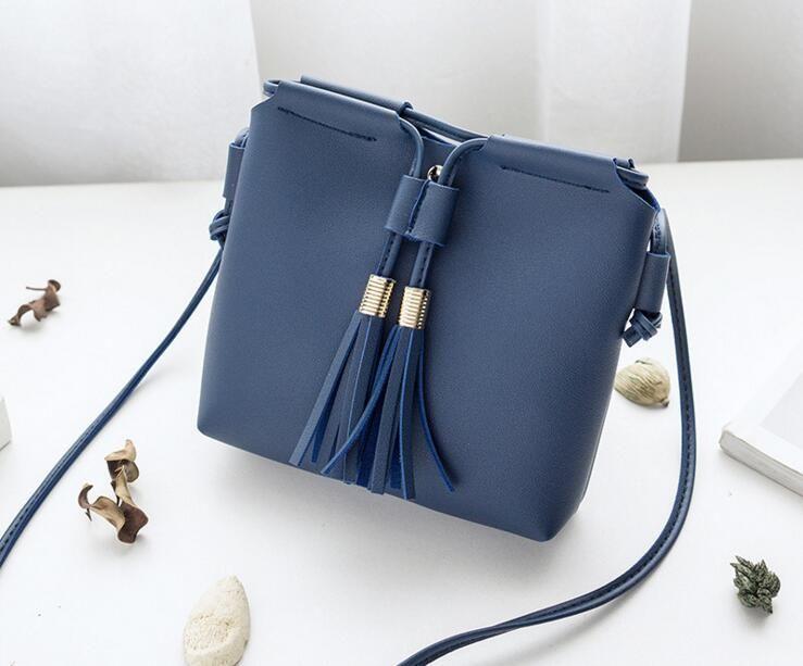 Women Leather Handbags Luxury Oil Picture Pattern Designer Luxury Shoulder  Bags For Women Female Messenger Bags Luxury Handbags Leather Handbag From  ... 34f202232b