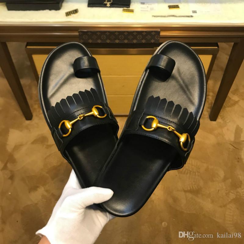 5804550dc5 Compre Chinelos De Venda Quente Dos Melhores Sapatos Masculinos De Couro De  Qualidade Sapatos De Grife Europeia Estação 38 46 Vendas Direto Da Fábrica  De ...