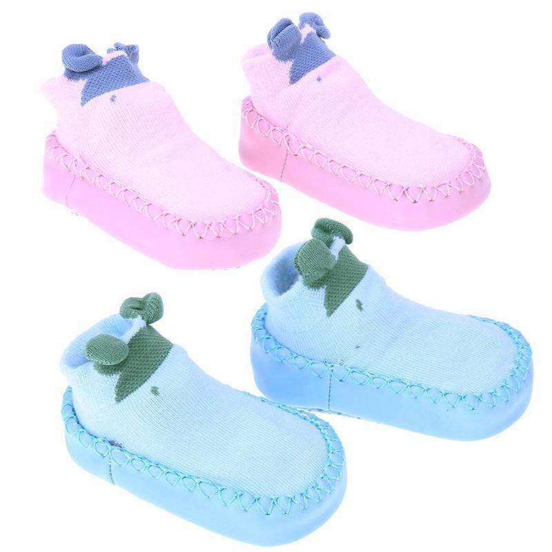 3ed86e6572f02 Acheter Nouveau Né Bébé Garçon Fille Chaussettes Chaussettes Chaussures Non  Slip Chaud Coton Pantoufles Tout Petits En Cuir Premier Walker Patch  Chaussures ...
