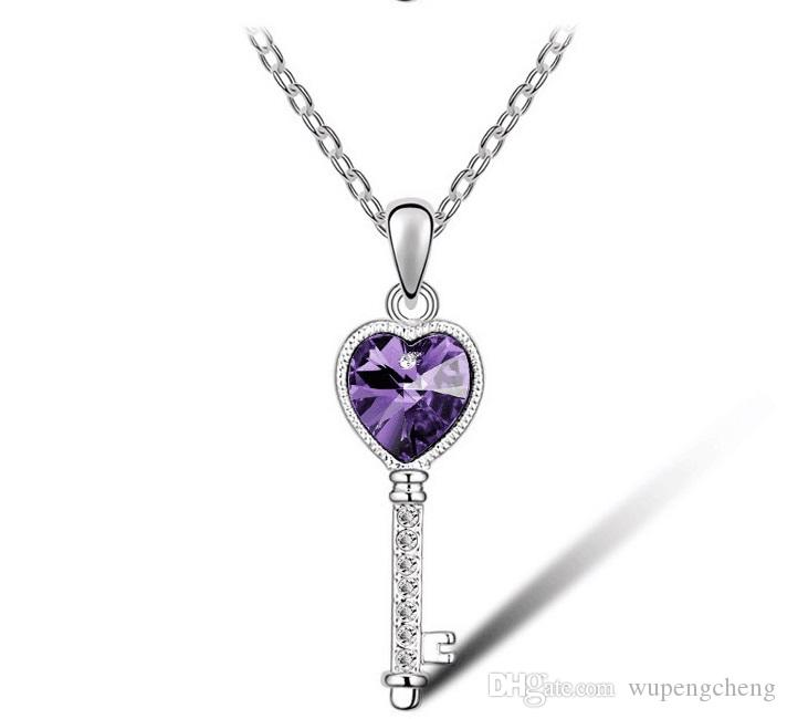 Natural gem heart-shaped pendant, heart-shaped pendant, pink crystal violet crystal and other stone glass pendant charming fashionable Jew.