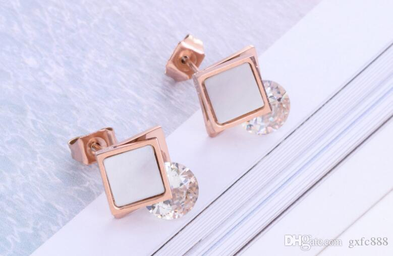 The new Korean version of the hot fashion black and white face clip drilling rose gold earrings trend is not faded ladies earrings