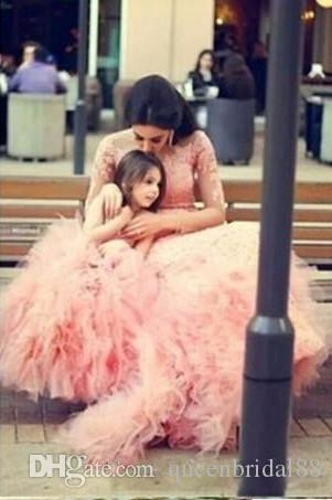 2019 Mother and Daughter Dress Sheer Jewel Neck Applique Lace Wedding Party Gowns Lace Ruffles Tulle Flower Girls Dresses