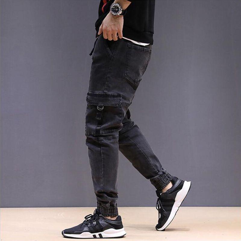 2bbab7fe0a Compre High Street Moda Hombre Jeans Negro Gris Estilo Japonés Big Pocket  Cargo Pantalones Estilo Punk Jogger Pantalones Hip Hop Jeans Hombres A   44.16 Del ...