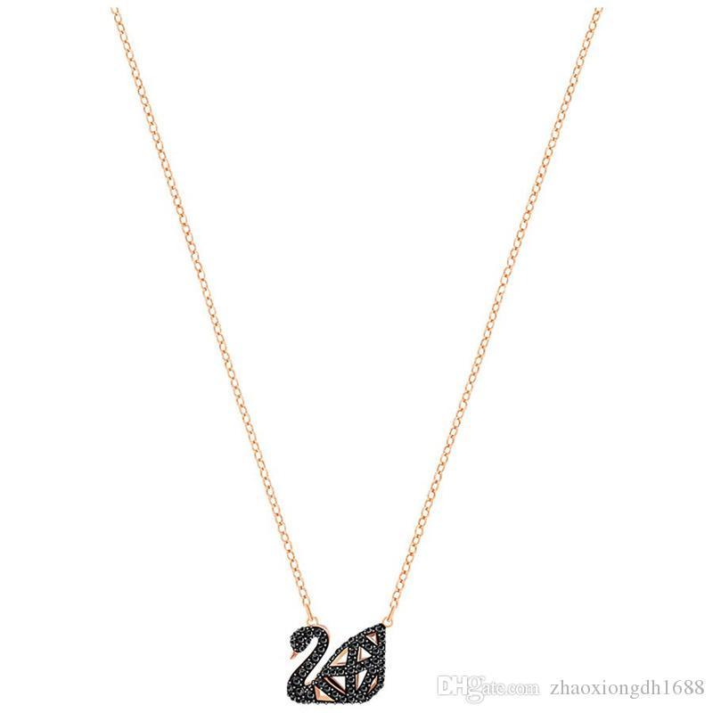 34ea75178bc5 Compre Nuevo Hot S925 De Plata De Ley Calado De Doble Cara Negro Cisne De  Cristal Colgante Collar De Las Señoras De Moda Clavícula De Plata Corto Rosa  ...