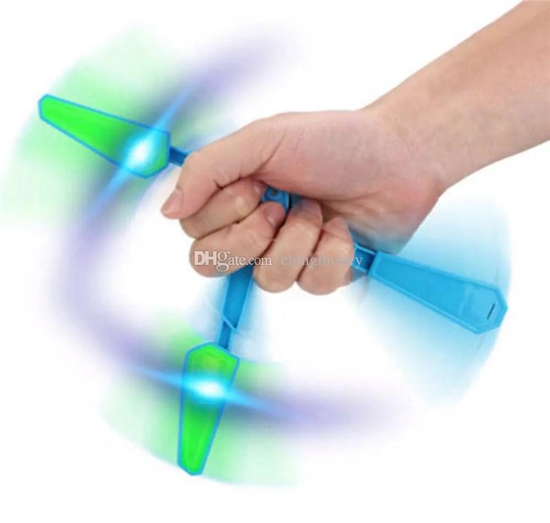 LED Flip Finz Relief Toys Flip Finz Stress Reliever Light Up Butterfly Flipper Dedo Mano EDC Juguetes Entrenamiento Focus Spin DHL gratis
