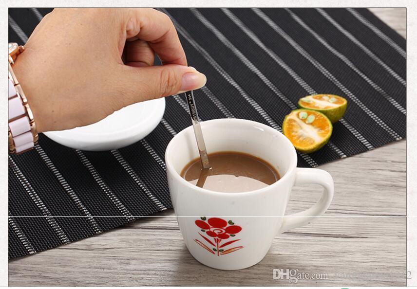Di alta Qualità 3 Pz / set Carino Cuore Amoroso Cucchiaio di Caffè In Acciaio Inox Cucchiaio di Gelato Dessert Cucchiaini Da Tè Con Manico Lungo Cucchiaio Da Cucina Bambini