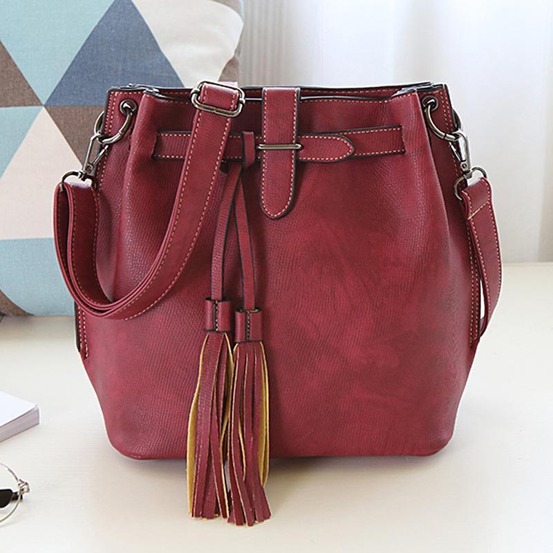 4e7ee00f0f Women Leather Tassel Bucket Bag 2017 New Vintage Girls Shoulder Bag Women  Messenger Bags Bolsa Feminina School Purses Wholesale Mens Leather Bags From  ...