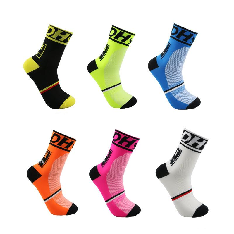 ed8362611d3 2019 Men Women Outdoor Sports Socks Knee High Fitness Hiking Jogging Basketball  Socks Breathable Winter Thermal Cycling From Masn