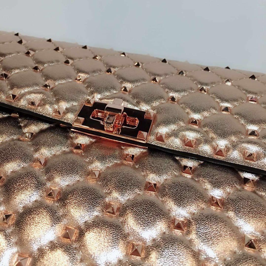 beste Version ~ w202 echtes Leder stieg Gold Spikes Twist-Lock-Kette Handtasche Silber gold metallic Runway 30 * 8.5 * 21.5cm
