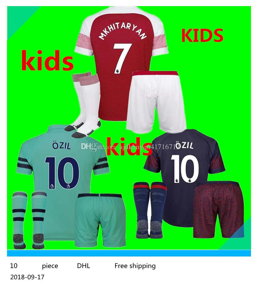 0fabec45d58 2018 2019 Arsenal AUBAMEYANG LACAZETTE KIDS KIT Soccer Jerseys Home 10 OZIL  MKHITARYAN 7 2018 XHAKA RAMSEY Away BOYS CHILD Football Shirts Kids  WILSHERE ...