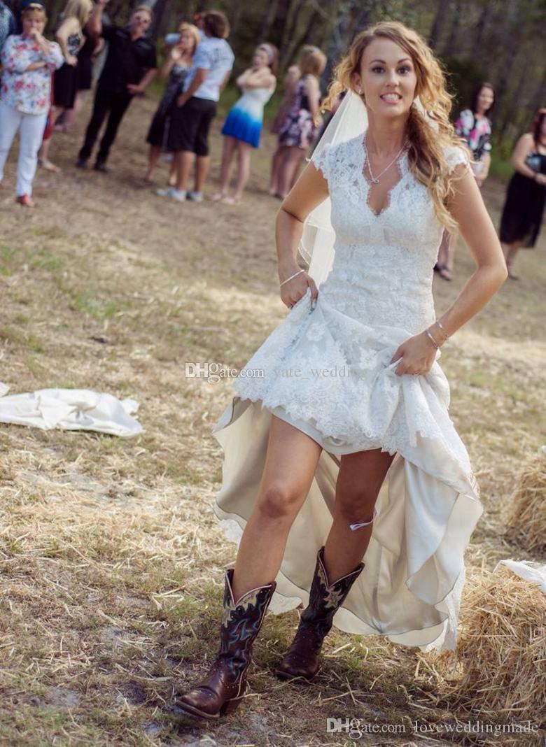 2018 뜨거운 판매 국가 웨딩 드레스 V 넥 캡 슬리브 빈티지 레이스 웨딩 드레스 Cowgirls 높은 낮은 백리스 신부 드레스