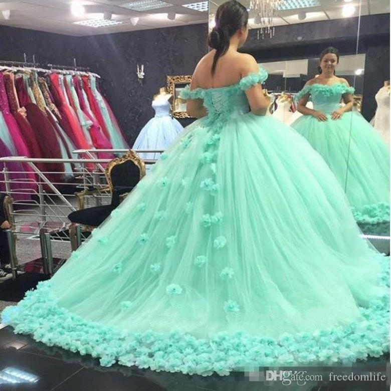 bd4b7fe2d4f Elegant Mint Green Quinceanera Dresses 2018 Sweetheart Backless Ball Gown  Hand Made Flowers Prom Make Up Dress Sweet 16 Dress Pink And White  Quinceanera ...