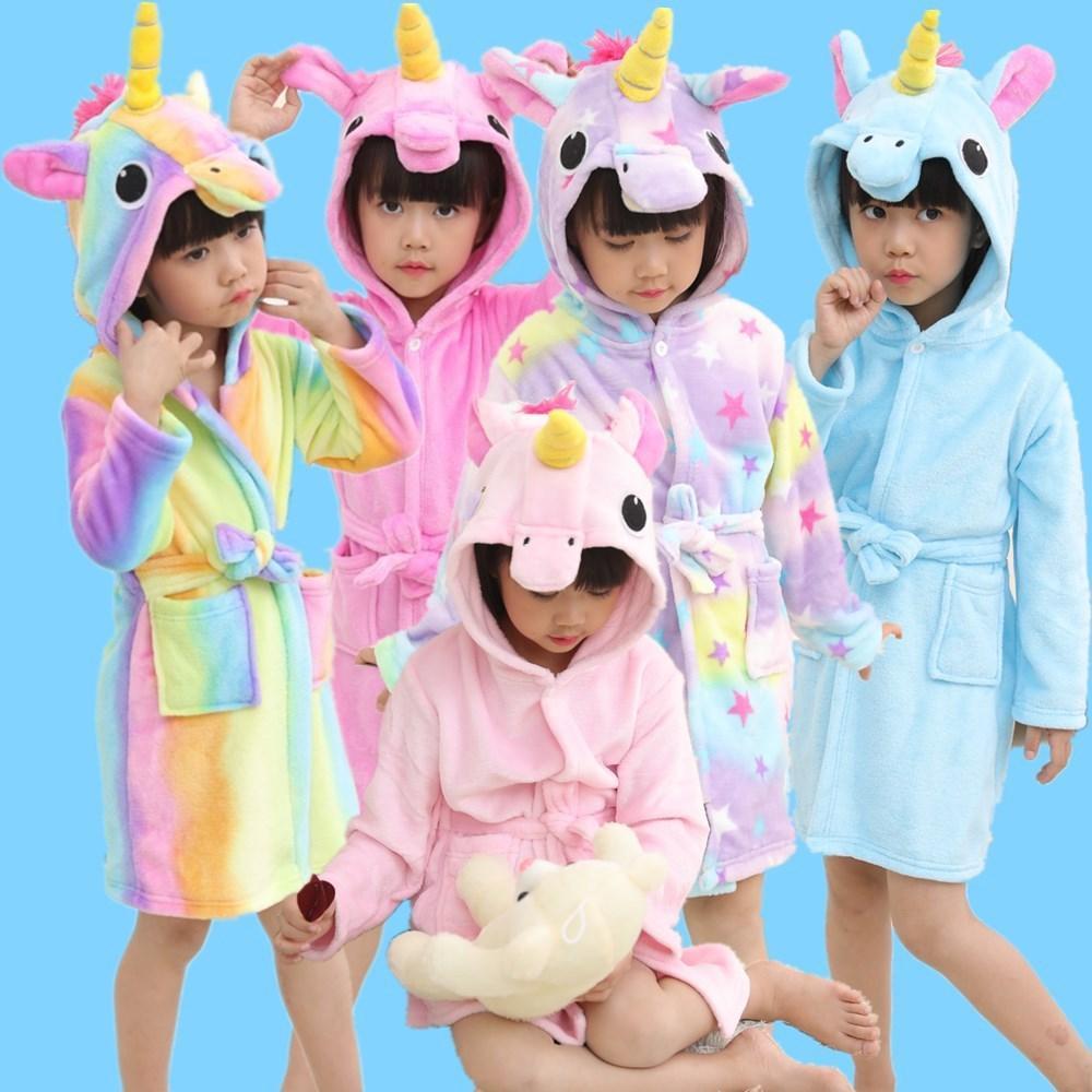 7d562508f7 Acquista Accappatoi Le Ragazze Dei Ragazzi Pigiama Baby Bath Robe  Arcobaleno Unicorn Pattern Felpe Robe Bambini Sleepwear Bambini Accappatoio  Costumi ...