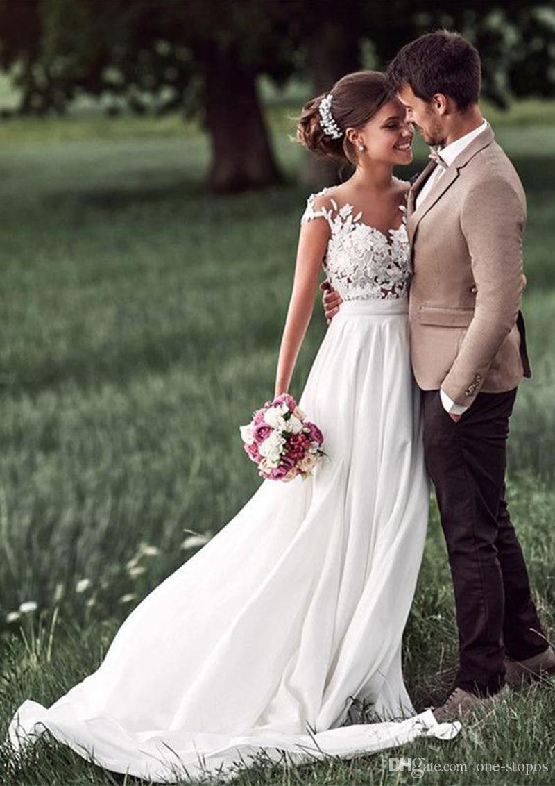 Style campagnard Une ligne robes de mariée romantique Cap manches manches Appliques en mousseline de soie 2018 longues robes de mariée plage pas cher