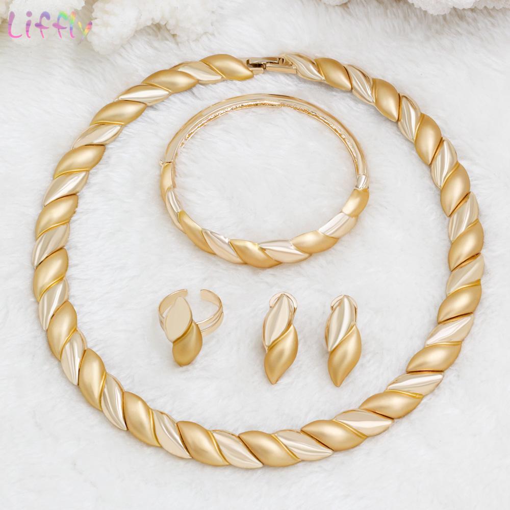 b858bf69ea2c Compre Liffly Nueva Moda De Boda Conjuntos De Joyas De Oro Collar De Dubai  Pulsera Anillo Charm Mujeres Compromiso Accesorios De La Joyería Del  Partido A ...
