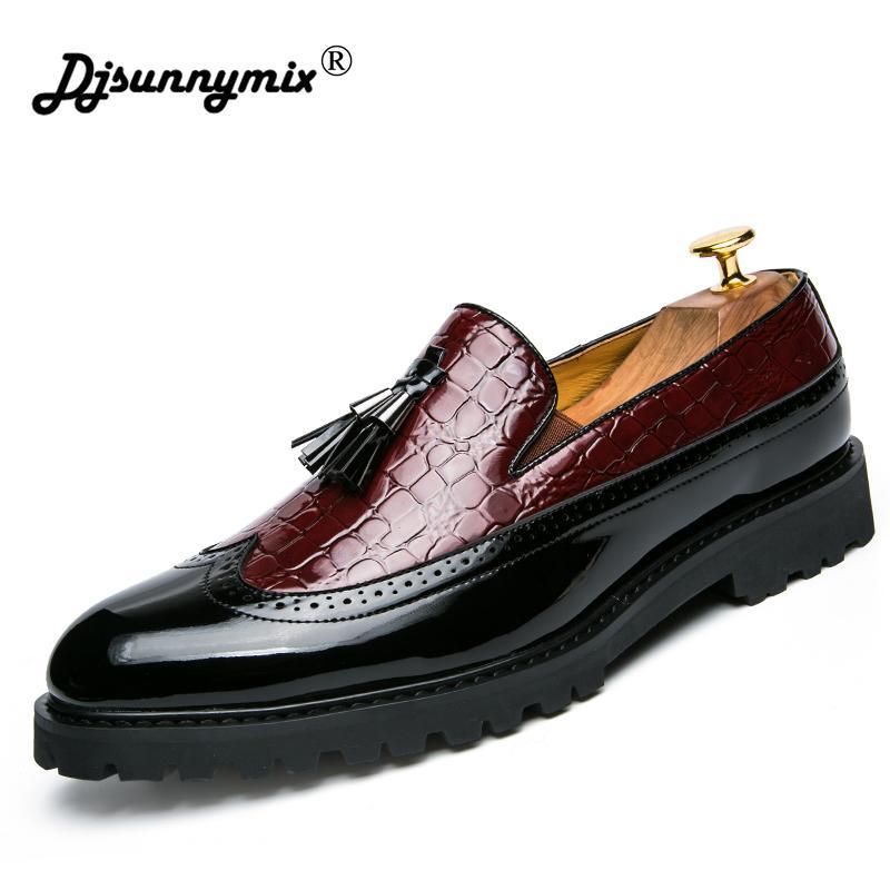5658ce31c4a Compre DJSUNNYMIX Marca Para Hombre Zapatos De Borla Italiano Formal  Vestido De Piel De Pez Serpiente Calzado De Oficina Elegante Zapatos Oxford  Para ...