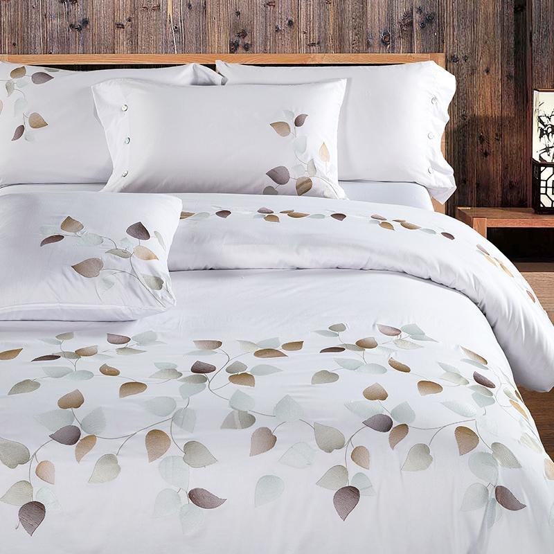 White Tribute Silk Coon 400T Embroidery Bedding set Noble Palace Royal Bed set King Queen Size Duvet cover Bedsheet