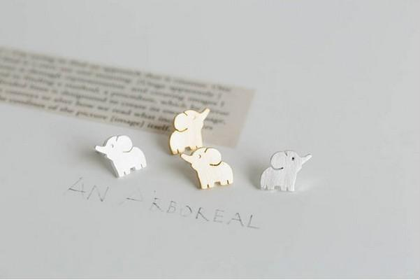 Fashion gold stud earrings Put up the nose of elephant stud earrings for women wholesale