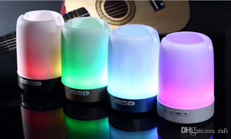 Cheap Price Wireless Bluetooth speaker pen holder phone bracket speaker with colorful lights mini portable small sound Q6 speaker
